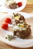 Ovos na carne triturada Imagem de Stock