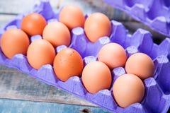 Ovos no recipiente Fotografia de Stock Royalty Free