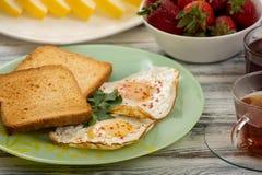 Ovos para o café da manhã Fotos de Stock Royalty Free