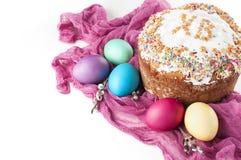 Ovos pintados dispersados da galinha de easter, chri ortodoxo tradicional Fotos de Stock