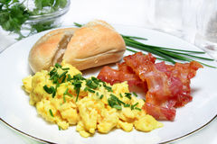Ovos Scrambled com bacon Imagem de Stock Royalty Free