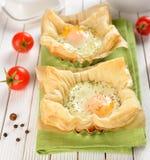 Ovos Scrambled na pastelaria de sopro imagem de stock royalty free