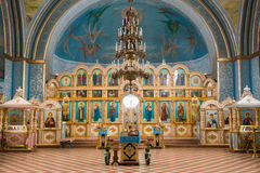 Ovrag de Dubovyj, Rusia - 20 de febrero de 2016: Interior dentro de la iglesia del mártir santo Nikita, situada en el pueblo del  Fotos de archivo libres de regalías