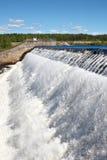 Owerflow del agua en la charca del almacenaje Foto de archivo libre de regalías