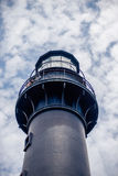 Łowiecka wyspy latarnia morska z niebieskim niebem Obrazy Stock