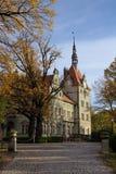 Łowiecki kasztel Hrabiowski Shenborn w Carpaty wiosce Zakarpattja region, Ukraina zdjęcia royalty free