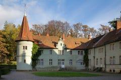 Łowiecki kasztel Hrabiowski Shenborn w Carpaty wiosce Zakarpattja region, Ukraina obraz stock