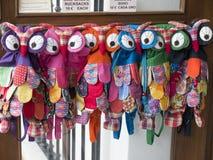 Owl Backpacks voor verkoop in Mijas op Costa Del Sol Andalucia, Spanje Stock Foto