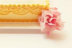 Owl Birthday Cake imágenes de archivo libres de regalías