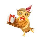 Owl And Birthday Present Cute tecknad filmtecken Emoji med Forest Bird Showing Human Emotions och uppförande Arkivfoton