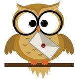 Owl Delivering A bokstav royaltyfri illustrationer