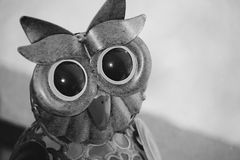 Owl Ornament ligero solar en negro y blanco Foto de archivo
