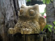 Owl Sandstone Statue traditionnel photographie stock libre de droits
