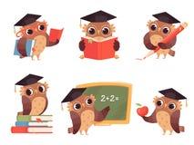 Owl Teacher Tecknad filmfågeltecken med baksida till gulliga maskot för skolaobjekt som läser peka vektorillustrationer stock illustrationer