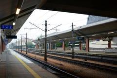 Owny järnvägsstation för Krakow GÅ ' krakow poland Arkivfoto
