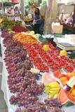 Owoc dla sprzedaży przy rynkiem w Pollenca wyspa Mallorca, Hiszpania (Majorca) Zdjęcia Stock