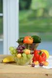 Owoc i warzywo na drewnianym stole Obraz Stock