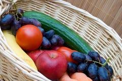 owoc koszykowi warzywa Obrazy Royalty Free