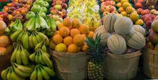 Owoc na pokazie w rolnika rynku Obraz Stock