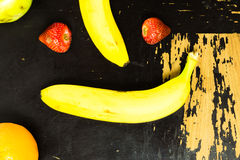 Owoc na scratchy stole Obraz Royalty Free