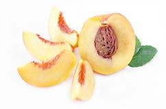 owoc opuszczać nektaryna plasterki Fotografia Royalty Free
