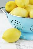 Owoc w Colander obrazy stock