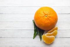 owoce cytrusowe cytryn lime pomarańcze Pomarańcze Nad drewno stołu tłem z kopii przestrzenią obrazy stock