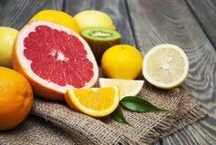 owoce cytrusowe cytryn lime pomarańcze Obrazy Royalty Free