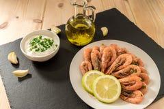 Owoce morza Garnele z świeżymi ziele, oliwa z oliwek, kumberlandem i cytryną, Zdjęcie Royalty Free