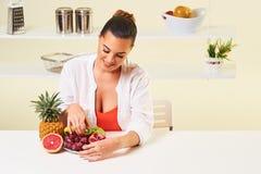 Owocowa gronowa łasowanie przekąski zdrowie zdrowej diety lunchu ciężaru strata Zdjęcie Stock