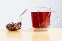 Owocowa i zielarska herbata fotografia stock