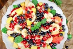 Owocowa sałatka - świeżo przygotowany zdrowy posiłek obraz stock