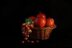 Owocowego kosza przygotowania. Fotografia Stock