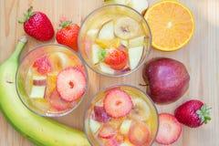 Owocowi desery z świeżymi owoc Zdjęcie Stock