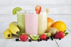 Owocowi smoothies Zdjęcia Royalty Free