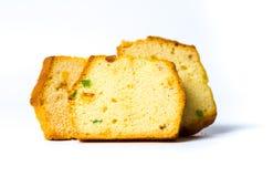 Owocowy chleb pokrajać odizolowywającym na bielu Zdjęcia Stock
