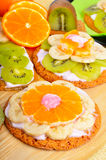 Owocowy deser z egzotycznymi owoc Fotografia Royalty Free