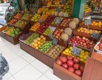 Owocowy pokaz w Lima Peru rynku Zdjęcie Stock
