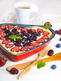 Owocowy pudding z jagodami Fotografia Royalty Free