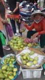 owocowy saler w Vietnam Obrazy Stock