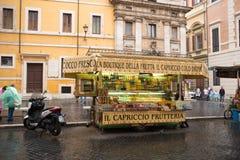 Owocowy stojak w Rzym Fotografia Stock