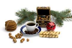 Owsa pieczenie, jedliny gałąź z ornamentem, bagażnik, cukierki i Obrazy Stock