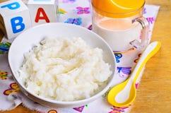 Owsianka dla dziecka jedzenia Fotografia Stock