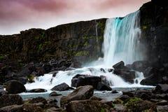 Oxararfoss瀑布在Thingvellir国家公园,冰岛 免版税库存照片