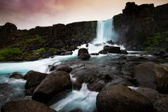 Oxararfoss-Wasserfall in Nationalpark Thingvellir, Island Lizenzfreie Stockbilder