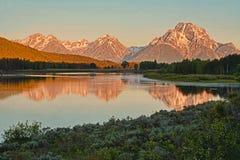 Free Oxbow Bend Reflections At Sunrise. Stock Photo - 37852260