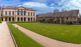 Oxford, Großbritannien - 30. April 2016: Das Worcester-Collegefrontviererkabel stockfotos