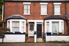 OXFORD HET UK 26 OKTOBER 2016: Buitenkant van Victoriaanse Terrasvormige Huizen in Oxford stock afbeelding