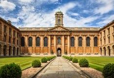 Oxford University_The drottnings högskola Royaltyfria Bilder