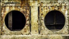 Oxidação e corrosão na pele da tubulação e do metal Corrosão do metal Oxidação dos metais foto de stock